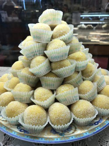 almondcakes yellow annasfoodstories
