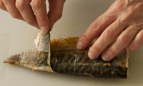 taking the skin off peppered smoked mackerel annasfoodstories