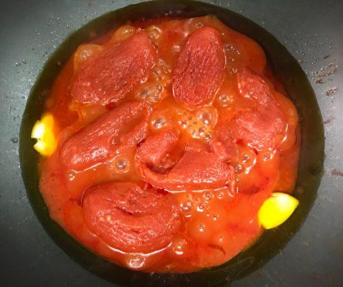 tomato sauce with garlic annasfoodstories