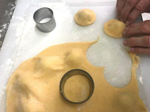 cut and seal fresh pasta ravioli annafoodstories