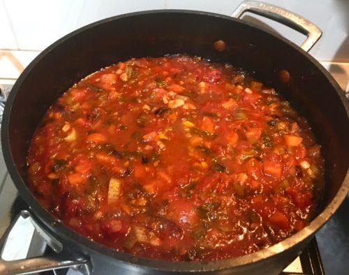 Wonderful veggie lasagne annasfoodstories Dobbel tomato sauce simmering